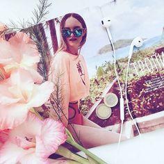 Фото: @polinopo Отмечай нас @ellegirlrussia и мы репостнем твое красивое фото с нашим номером   via ELLE GIRL RUSSIA MAGAZINE OFFICIAL INSTAGRAM - Celebrity  Fashion  Haute Couture  Advertising  Culture  Beauty  Editorial Photography  Magazine Covers  Supermodels  Runway Models