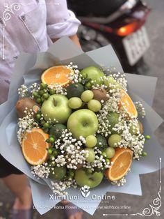 Fruit Flower Basket, Christening Cake Girls, Five Senses Gift, Food Bouquet, Gift Baskets For Him, Edible Bouquets, Flower Box Gift, Gift Box Birthday, Fruit Shop