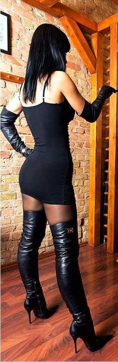 My date will be here any minute and I'm pretty sure I'm gonna fuck him as soon as I can get his hands on me . Stiletto Boots, High Heel Boots, Sexy Outfits, Cool Outfits, Black Thigh High Boots, Boots And Leggings, Black Leather Gloves, Hot High Heels, Sexy Latex
