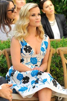 Reese Witherspoon in Oscar de la Renta Mehr Look's des Tages gibt es bei ICON http://www.welt.de/icon/article124496720/Rosie-Huntington-Whiteley-in-Anthony-Vaccarello.html