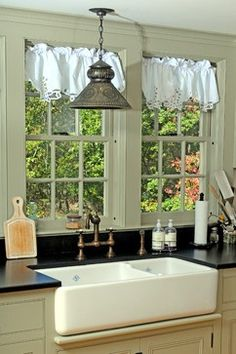 Old Farmhouse Kitchens | Old Farmhouse kitchen sink | My farm house