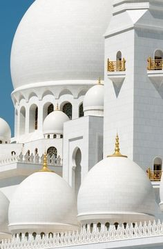Just gorgeous. The Sheikh Zayed Grand Mosque: Abu Dhabi, UAE. Mosque Architecture, Art And Architecture, Architecture Details, Ancient Architecture, Beautiful Mosques, Beautiful Places, Amazing Places, Les Religions, Grand Mosque