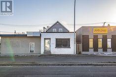 905 Winnipeg ST, Regina, Saskatchewan  S4R1J1