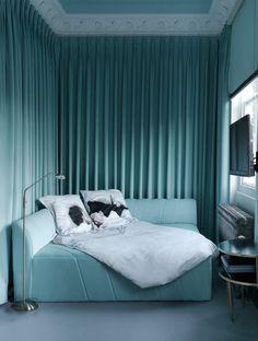very interesting bedroom,    Photo ad_Danielle-Moudaber---Divan-in-TV-Room_.jpg
