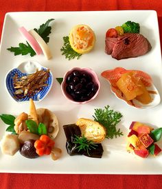 ワンプレートおせち New year special dish K Food, New Year's Food, Food Menu, Good Food, Yummy Food, Bento Recipes, Cooking Recipes, Vegetable Appetizers, Food Decoration