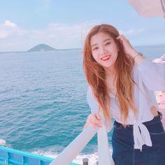 ﹝Park Yewon﹞ ー Kwon Eunbi ♡̷̷ Kpop Girl Groups, Kpop Girls, Sky Full Of Stars, Fandom, Woollim Entertainment, Japanese Girl Group, Female Singers, Kpop Aesthetic, The Wiz