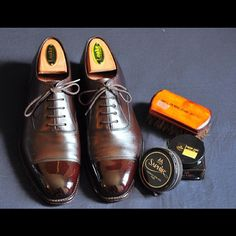 Loake 1880s. A very well deserved spit shine.