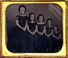 Stair step little girls in matching dresses. Vintage Children Photos, Vintage Pictures, Old Pictures, Vintage Images, Old Photos, Time Pictures, Vintage Kids, Antique Photos, Vintage Photographs