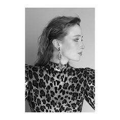 BLOSSOM La cultura popular de los años 80 se encuentra con la de los 90. Realización: @bertilandia Fotografía: @sophiemayanne #lofficieles #marchissue @dolcegabbana  via L'OFFICIEL SPAIN MAGAZINE INSTAGRAM -Fashion Campaigns  Haute Couture  Advertising  Editorial Photography  Magazine Cover Designs  Supermodels  Runway Models