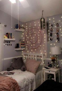 Cute Bedroom Decor, Bedroom Decor For Teen Girls, Teen Room Decor, Small Room Bedroom, Room Ideas Bedroom, Small Bedroom Ideas For Teens, Cozy Teen Bedroom, Teenage Bedrooms, White Bedroom