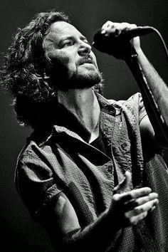Eddie Vedder • Listen