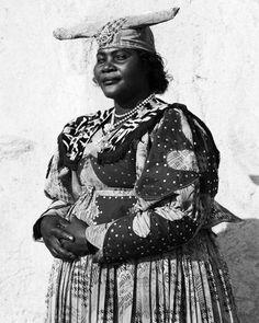 Herero Woman, Namibia, 2007  Photo: Dana Gluckstein