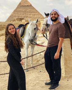 Day Tour from Hurghada to Pyramids by Plane Egypt Culture, Egypt Fashion, Cheap Travel Insurance, Visit Egypt, By Plane, Egypt Travel, Giza, Day Tours, Touring