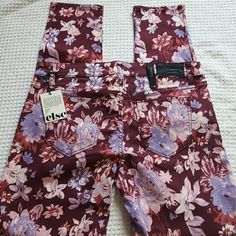 ELSE FLOWER JEANS NWT ELSE JEANS SIZE W30 SKINNY COLOR IS VIOLET THIS IS A RE-POSH THEY ARE TO BIG FOR ME SO THEY NEED ANOTHER LOVING HOME TO COME TO I KNOW THAT MAY SOUND GOOFY BUT GOTTA LAUGH SOMETIME inseam is 30 lying flat the waist is 16 additional questions or need extra pictures just let me know and I'll be happy to provide that else Jeans Skinny