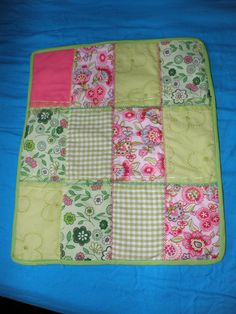 Small dolls quilt.