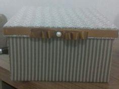 Caixa de mdf forrada com tecido. 20×8.linda!!!