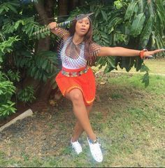 shared puctures of her clad in modern traditional Zulu attire African Traditional Wear, Modern Traditional, Traditional Dresses, African Print Fashion, Fashion Prints, African Prints, Fashion Styles, Shweshwe Dresses, Dress Images