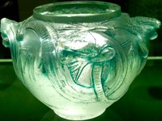 René Lalique 'Lizards' Vase (II), 1914: clear patinated glass | jessewaugh.com…