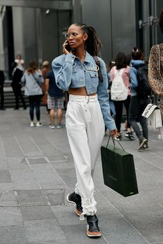 The Latest Street Style From New York Fashion Week 3ef7e2246