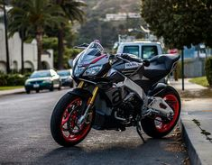 Aprilia Tuono V4 Custom Sport Bikes, Custom Motorcycles, Cars And Motorcycles, Kawasaki Cafe Racer, Fancy Cars, Sportbikes, Street Bikes, Bike Life, Cool Bikes
