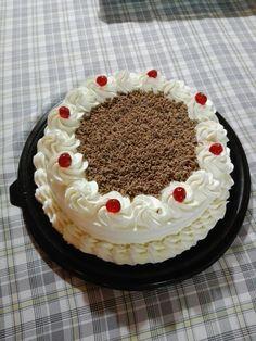 torta de crema cervezas y chocolate