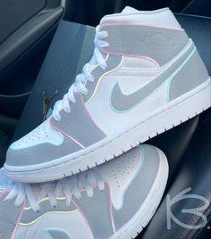 Dr Shoes, Cute Nike Shoes, Swag Shoes, Cute Nikes, Cute Sneakers, Nike Air Shoes, Hype Shoes, Shoes Sneakers, Nike Air Jordans