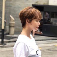 Girl Short Hair, Short Hair Cuts, Hair Inspo, Hair Inspiration, Medium Hair Styles, Short Hair Styles, Korean Short Hair, Dream Hair, Pixie Haircut