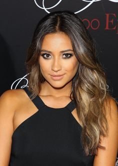 Shay Mitchell showed off her caramel-colored ombré hair at the Pretty Little Liars party.