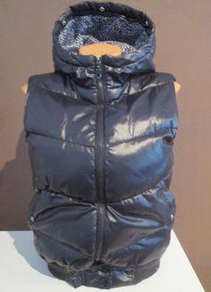Kupuj mé předměty na #vinted http://www.vinted.cz/damske-obleceni/kabaty-and-bundy-ostatni/10975979-leskla-rerna-sportovni-vesta-terranova