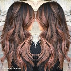 rose gold hair Hair Highlights Rose Gold Balayage Ideas For 2019 Gold Hair Colors, Brown Hair Colors, Rose Gold Hair Colour, Balayage Hair Rose, Rose Gold Balayage Brunettes, Cabelo Rose Gold, Rose Gold Hair Brunette, Rose Gold Ombre, Rose Gold Brown Hair