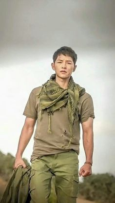 Yoo Si Jin - Descendants Of The Sun Ep 16 when Capt Yoo meet Dr Kang