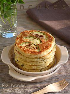 Pancakes au riz basilic courgettes