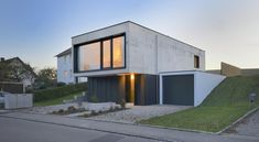 Einfamilienhaus in Aiterbach - Minimalistischer Monolith aus Beton - Objekte - Beton.org