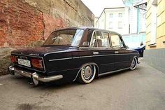 Never knew a Lada could look so good Gas Monkey, Garage Shop, Old Cars, Fiat, Bmw M3, Volvo, Cars And Motorcycles, Retro, Classic Cars