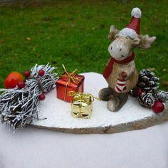 Décoration le renne du père noël et les cadeaux