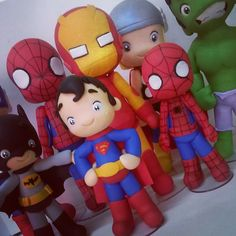 Não tenha medo! Todos chegaram pra nos defender ♡ #superherois #superhero #superman #superhomem #batman #homemaranha #spiderman #hulk #incrivelhulk #thor #capitaoamerica #homemdeferro #ironman #capitainamerica #enfeitedemesa #biscuit #biscuitdapati #porcelanafria #coldporcelain #airdryclay #massinhademodelar