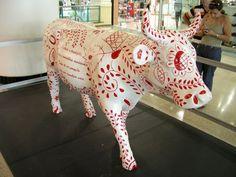 Guimarães, Berço da Nação - Cow Parade Portugal Research Projects, Art Projects, Cow Parade, Local Artists, Public Art, Street Art, Elephant, Display, Sculpture