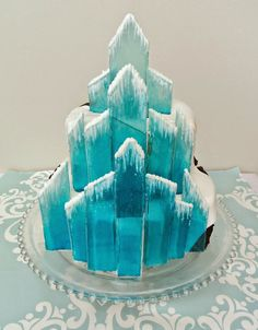 """Delectable Cakes: """"Frozen"""" Ice Castle Cake made with boiled sugar aka rock candy. Frozen birthday party for a Disney Frozen Party Torte Frozen, Frozen Castle Cake, Frozen Theme Cake, Frozen Themed Birthday Party, Frozen Frozen, Disney Frozen Party, Fancy Cakes, Cute Cakes, Castle Birthday Cakes"""