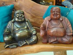 Happy Buda en Madera Suar. Acabado natural o Bronce. www.balidekor.com