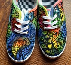 Zentangle sneakers!!!  I would so do this.  Wasn't sure whether to put this in my crafty board or my style.