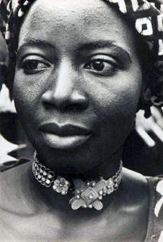 "Africa   ""The woman"".  Kankan, Republic of Guinea.  ca. 1959   ©Giles Ehrmann"