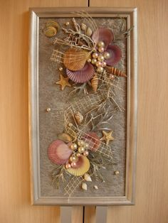 Seashell Art, Seashell Crafts, Beach Crafts, Flower Crafts, Old Cd Crafts, Arts And Crafts, Diy Crafts, Cadre Photo Multiple, Shell Flowers