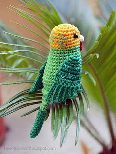 parakeet bird amigurumi Dutch pattern here: http://knutsel-mam.blogspot.it/2012/02/parkietjes.html