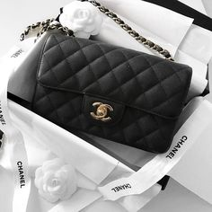 Chanel Mini Classic Flap bag, black caviar leather | pinterest: @Blancazh