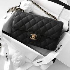 Chanel Mini Classic Flap bag, black caviar leather  |  pinterest: @Blancazh