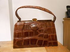 BEAUTIFUL VINTAGE 1940s/ 50s CROCODILE HANDBAG- SUEDE LINING