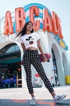 Mickey Mouse Graphic Tee – My Style – Mickey Mouse Graphic Tee – Mein Stil – Disney World Outfits, Cute Disney Outfits, Disneyland Outfits, Disney Inspired Outfits, Disney Style, Cute Outfits, Skater Outfits, Disneyland Outfit Summer, Disneyland Tickets