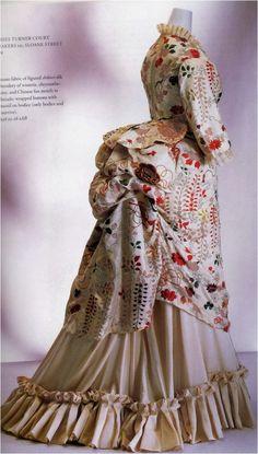 The kimono Victorian dress in the collection of the Kyoto Costume Institute. 1870s Fashion, Victorian Fashion, Vintage Fashion, Victorian Era, Victorian Dresses, Victorian Ladies, Historical Costume, Historical Clothing, Historical Dress