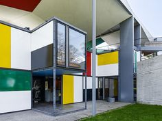 Zurich's Pavillon Le Corbusier Serves As A Monument to A Pioneer of Modern Architecture