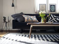 Blogger craftifair displaying the bold Tottori rug in her stylish living room | www.craftifair.com